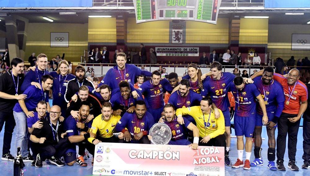 El Barcelona gana su séptima copa consecutiva de Balonmano