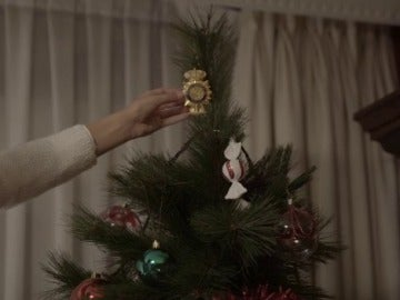 """""""Queremos ser la 'estrella' que ilumine tu Navidad', el emotivo vídeo con el que la Policía Nacional felicita estas fiestas"""