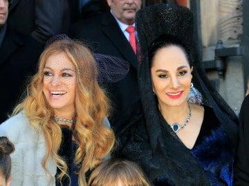 Paulina Rubio y su madre, Susana Dosamantes, en la boda de su hermano