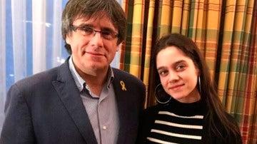 Puigdemont y la joven