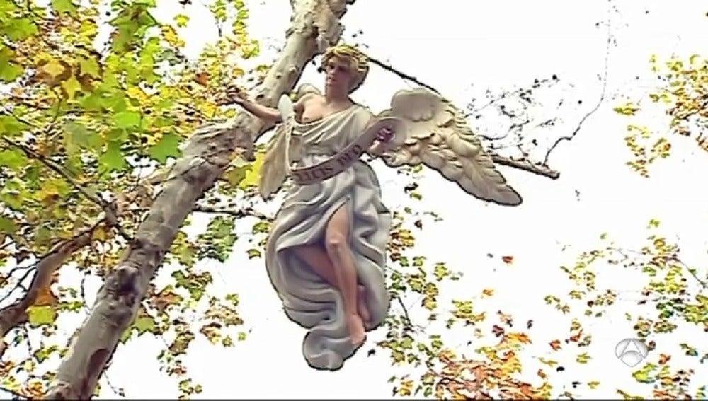 """El Ayuntamiento de Xátiva coloca un ángel en el Belén después de que una concejala lo retirara para """"no ofender a otras religiones"""""""