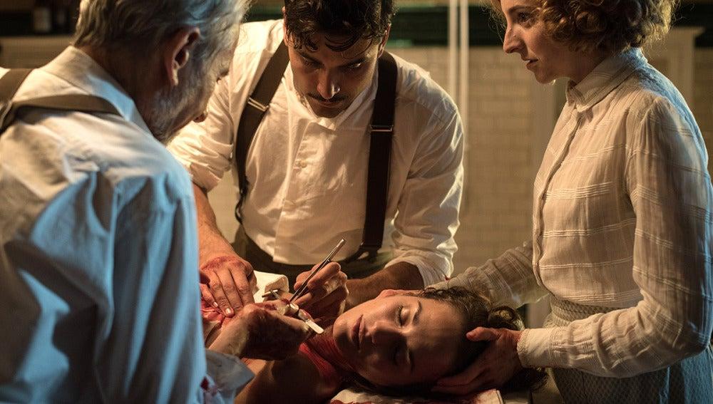 Fidel y Vicente operan de urgencia a Susana