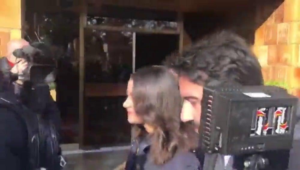 Insultos a Inés Arrimadas durante un paseo en la jornada de reflexión