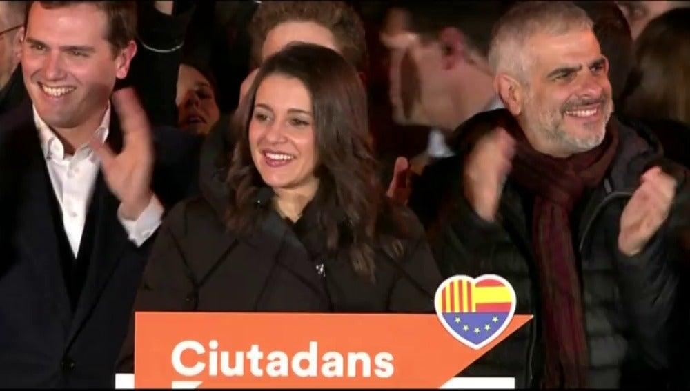 """Arrimadas, tras ganar las elecciones en Cataluña: """"Es histórico el mensaje que mandamos al mundo de que Cataluña no es mayoritariamente independentista"""""""