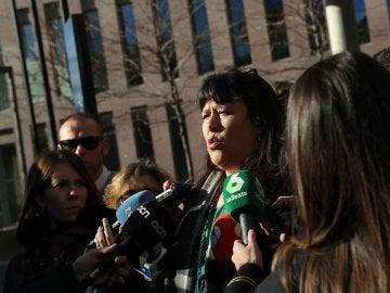 La directora de los servicios territoriales de Enseñanza de la Generalitat del Baix Llobregat, Núria Vallduriola