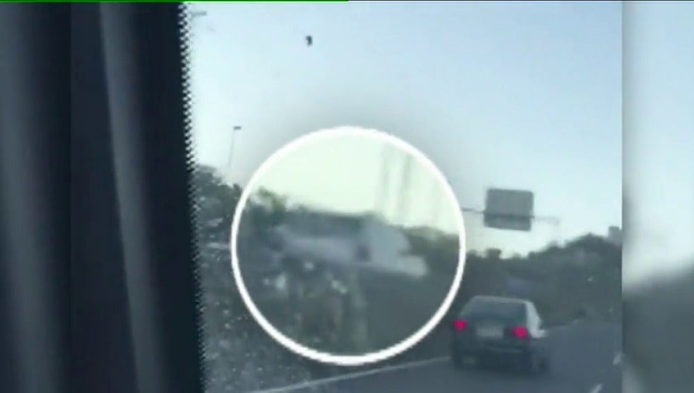 Investigan un vídeo difundido en redes sociales de un coche circulando en sentido contrario en una autovía de Gran Canaria