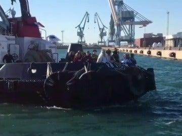 Los Reyes Magos llegan al puerto de Sagunto (Valencia)