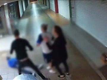 Detienen a un hombre y a dos mujeres en Gran Canaria involucrados en una pelea que dejó a una víctima en coma