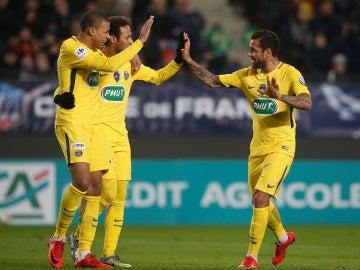 Neymar y Mbappe celebrando un gol