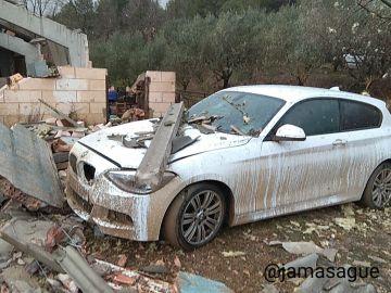 Coche destruido en Cistella por los efectos del temporal