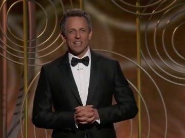Seth Meyers no se olvida de Harvey Weinstein en el monólogo inicial de los Globos de Oro
