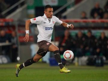 Deniz Naki jugando en el St Pauli