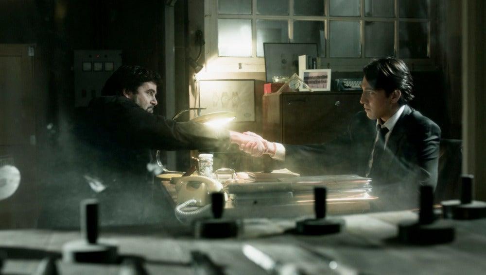 Miguel descubre que su padre se arruinó después de que le estafaran