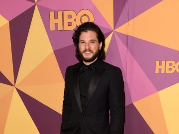 Kit Harington en la fiesta HBO