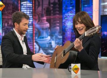 Carla Bruni se lanza a cantar su éxito