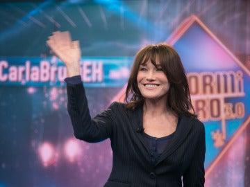 Carla Bruni, emocionada con el regalo de Marron