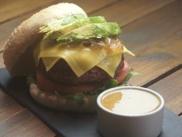 La hamburguesa Tribeca de Foster's Hollywood, todo amor.