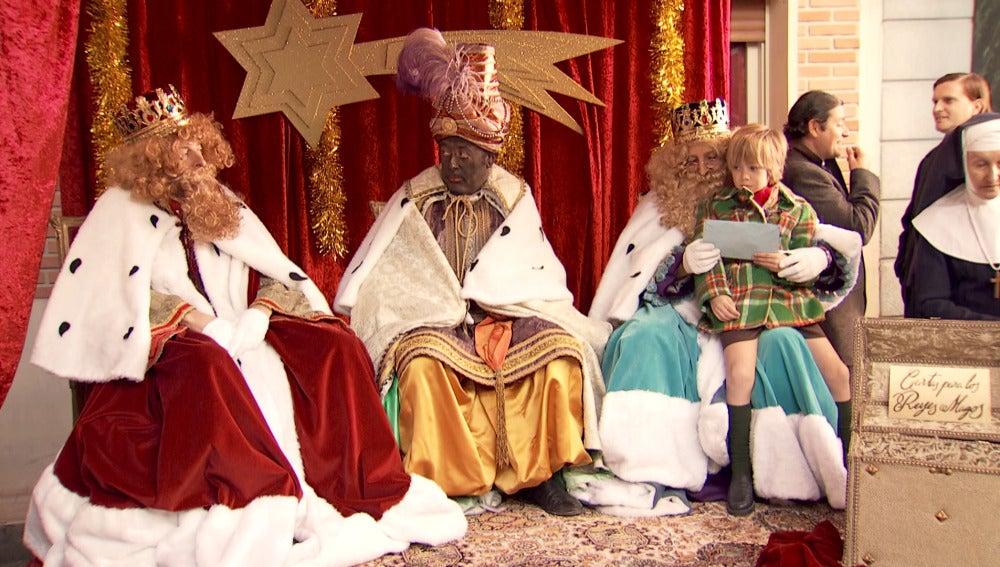 Los Reyes Magos más peculiares se presentan en la Plaza de los Frutos