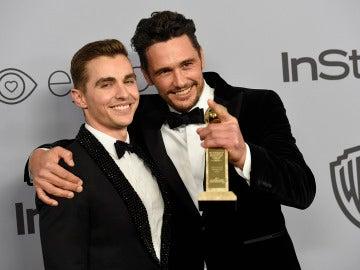 James Franco junto a su hermano Dave Franco