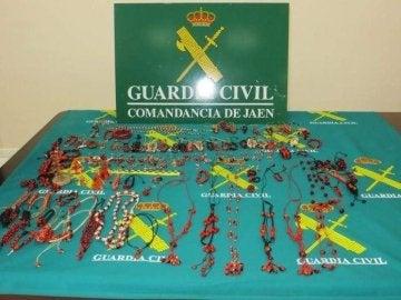Pulseras tóxicas incautadas por la Guardia Civil