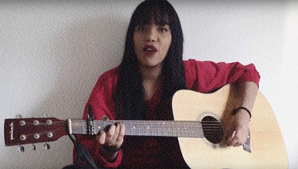 Luna May canta a Diana Quer