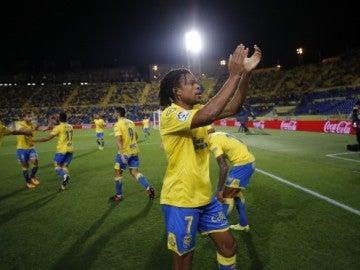 Remy celebra un gol con la afición de Las Palmas