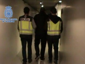 El ultra detenido por apuñalar a un joven en las proximidades del Wanda Metropolitano se niega a declara ante la Policía