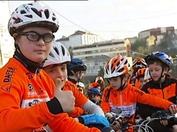 El ejemplo de superación de Borja, un joven con síndrome de down, en el ciclocross