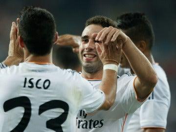 Isco y Carvajal celebran un gol con el Real Madrid