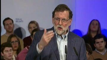 """Rajoy advierte a Puigdemont de que """"una sola persona situada fuera de la realidad"""""""