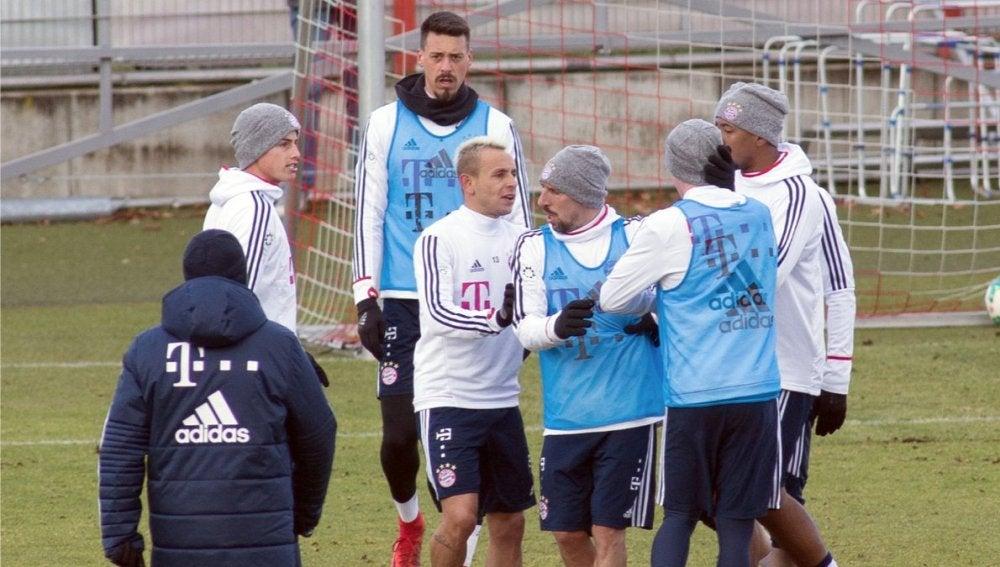 James y Rudy, enfrentados en el entrenamiento del Bayern