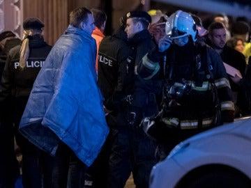Afectados por el incendio en un hotel en Praga