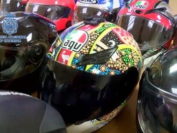 Detenido un ladrón de cascos y complementos de moto en Madrid