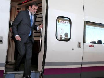 Mariano Rajoy en el AVE