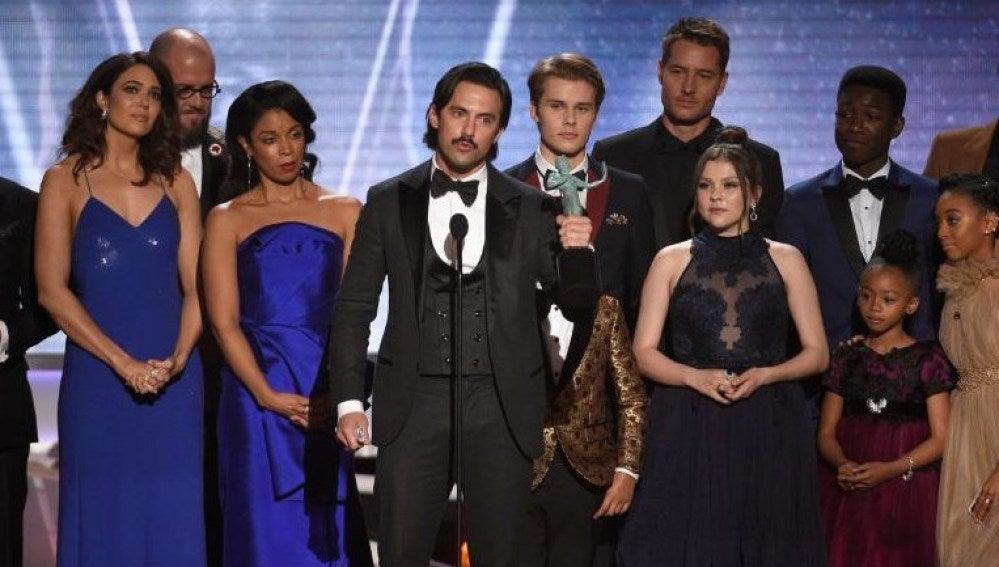 El reparto de 'This is us' con su premio SAG Awards