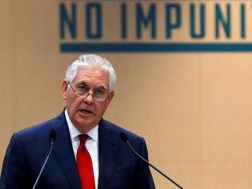 Rex Tillerson, ofrece un discurso durante la reunión de la Alianza Internacional