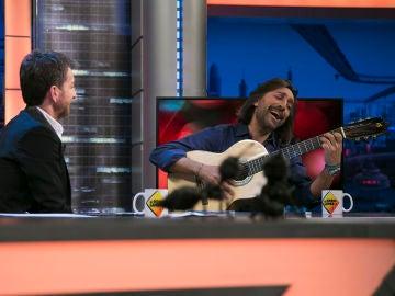 Antonio Carmona toca en directo en 'El Hormiguero 3.0' tras la grave infección que le mantuvo en coma