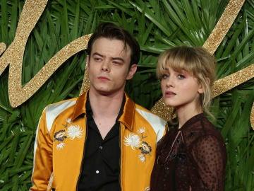Charlie Heaton y Natalia Dyer