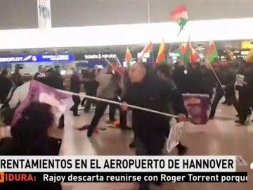 Al menos dos heridos en enfrentamientos en el aeropuerto de Hannover por la operación militar turca en Siria