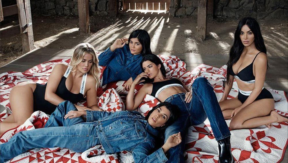 Las hermanas Kardashian para Calvin Klein
