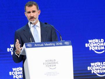 El rey Felipe VI participa en un panel de la 48 edición del Foro de Davos
