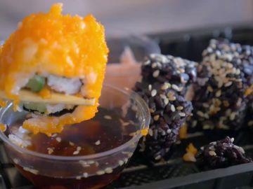 Descubren una tenia de metro y medio en el intestino de un hombre adicto al sushi