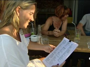 Galicia multa con hasta 9.000 euros a los hosteleros que cobren de más a los turistas