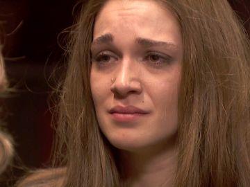 Julieta se sincera contándole toda la verdad a Emilia