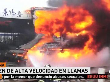 Una veintena de bomberos sofocan las llamas en un tren de alta velocidad en China