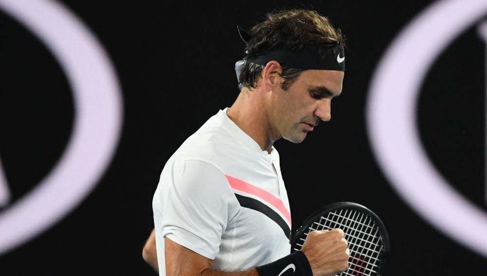 Roger Federer celebra un punto en el Open de Australia