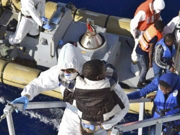 Rescate de inmigrantes en las costas italianas