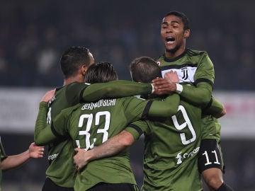 La Juventus celebrando un gol al Chievo