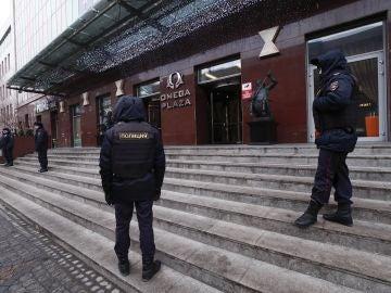 La Policía rusa entra a la fuerza en la sede central del líder opositor Alexei Navalny