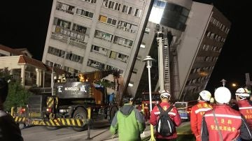 Edificio afectado por un terremoto en Taiwán